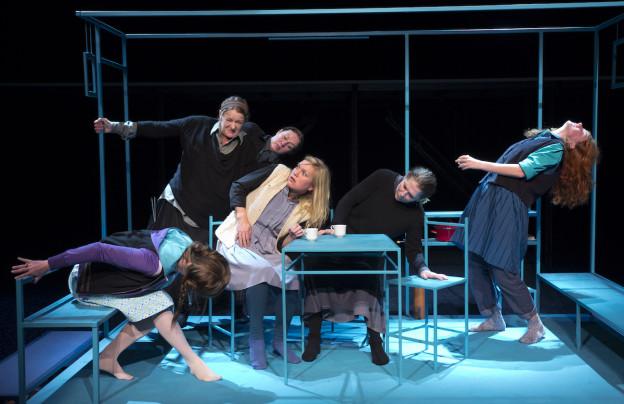 """Den Haag, 10-11-2015. Beeld uit de voorstelling """"Op hoop van zegen"""" regie Arie de Mol. Foto; Leo van Velzen."""
